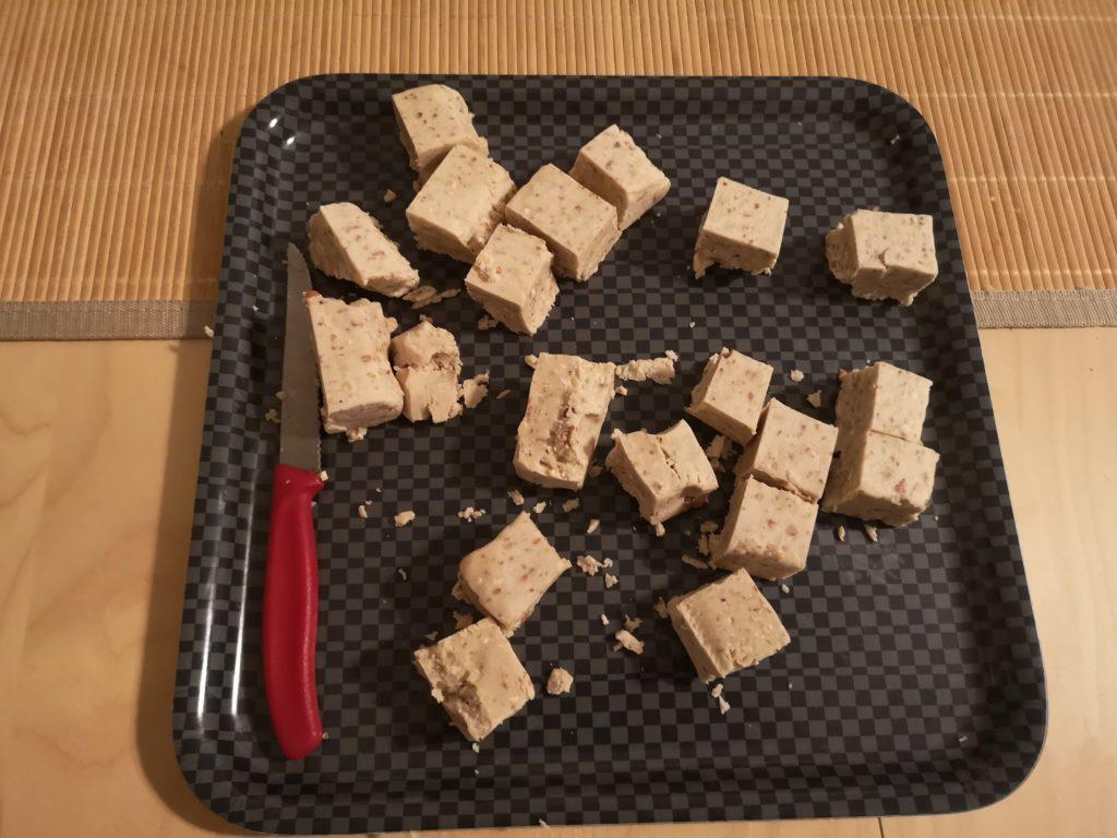 Erdnussbutter - Futtermasse